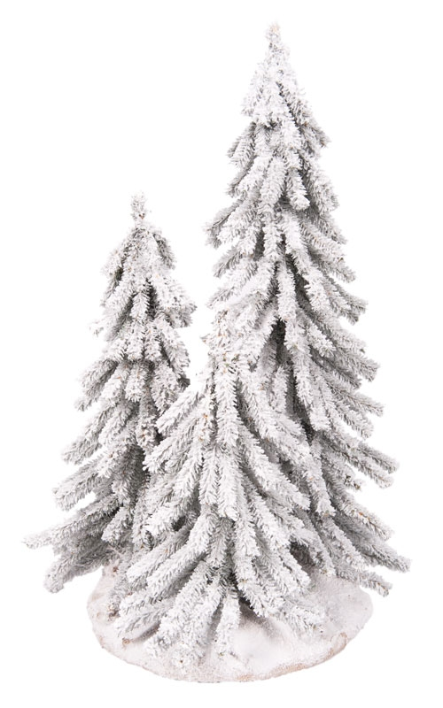 3 kleine boompjes op plateau rond 35 cm, besneeuwd